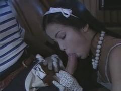 Vintage Une Fille Dans La Peau 2  N15