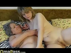 OmaPass dilettante mature lesbians masturbating