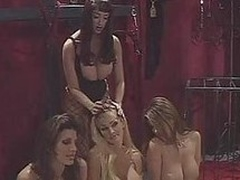 Glum Kianna Dior & those heavy titted babes get kinky
