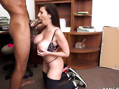 Sara Jay spends her raunchy energy with throbbing love wand in her hands