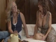Busty lesbos action anent squirting