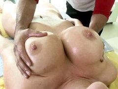 A full body rub down be required of seductive slattern Jayden James