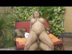 Chunky whore does it outdoors