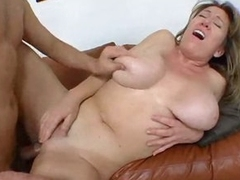 Curvy non-professional in homemade milf porn