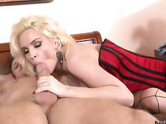 Diamond Foxxx finds him sexy and takes his hard pole