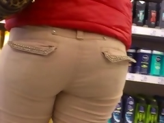 Big corpulent ass in street candid voyeur video in the mall