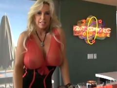 Breasty Wifey boffed by the fortunate bartender