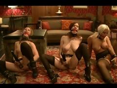 Kait Snow, Jessie and Iona