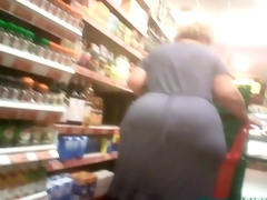 Spying Mature Huge Booty - BBW Ass Voyeur - Candid Booty