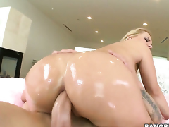 Katja Kassin with big ass does her best to make dude cum in tugjob action