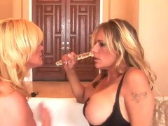 Ginger Lynn and Debi Diamond do Dirty Dyke love