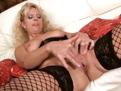 Amateur mom sucks and fucks a marital-device