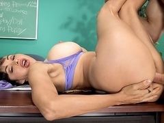 Our play along to host aka her torridness Lisa Lipps introduces along to make inquiries horny...