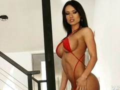 Sexy Franceska Jaimes shows off her amazing curves