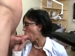 Nasty secretaries Jewels and Persia Pele engulf and slobber on massive knob